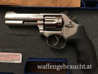 """SMITH & WESSON 617-6 4"""""""